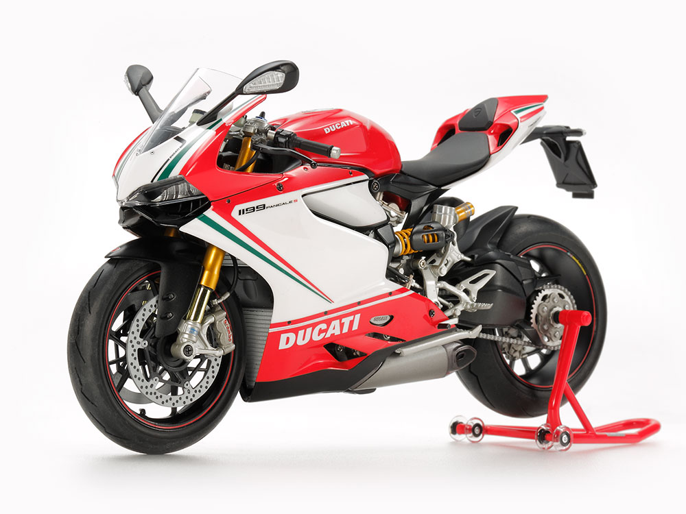 1/12 SCALE DUCATI 1199 PANIGALE S TRICOLORE (FINISHED MODEL)