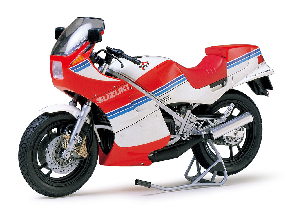 1/12 SCALE SUZUKI RG250Γ with FULL OPTIONS