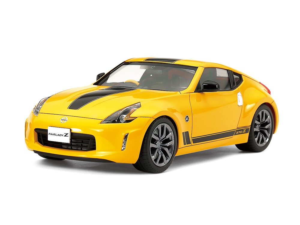 1/24 SCALE NISSAN 370Z Heritage edition