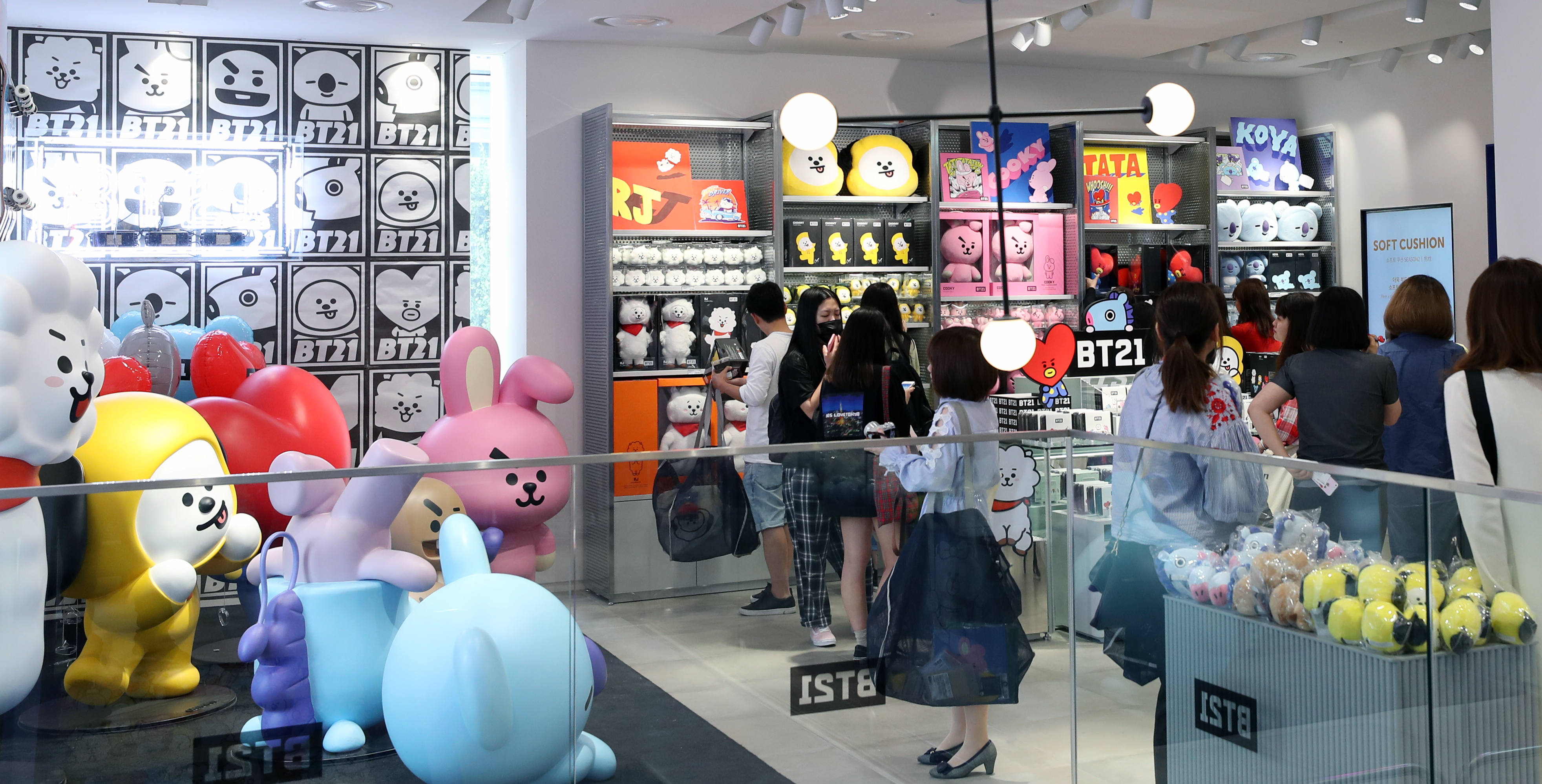 Buy Japan Exclusive K-POP Items with ZenMarket - Japan Shopping Service
